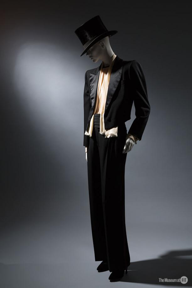 Yves Saint Laurent, vrouwensmoking, ca. 1982, Museum at FIT