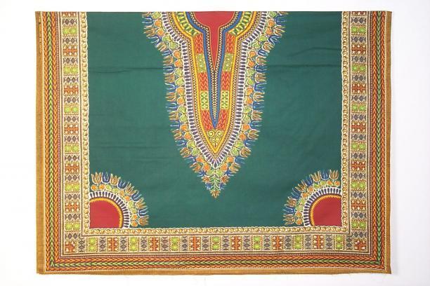 Vlisco, donkergroene industriele batik met sigarenbandpatroon (dessin 2961 R), 1980, TextielMuseum